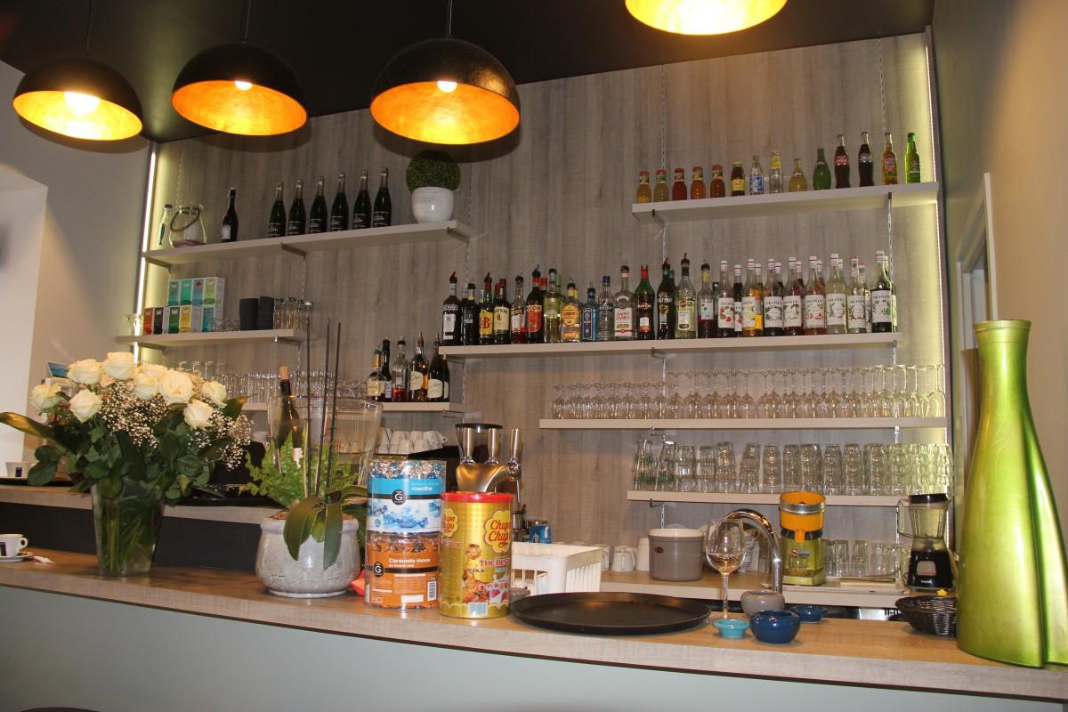 Renovation d un restaurant vieil antibes bernard for Restaurant antibes