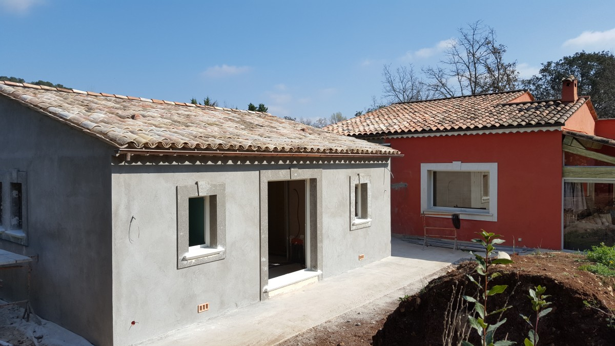 Extension d une villa chantier en cours mougins for Extension villa